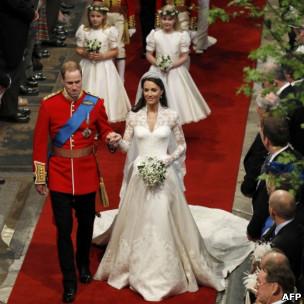 Королевская свадьба: платье, поцелуй, шкатулка и тандем