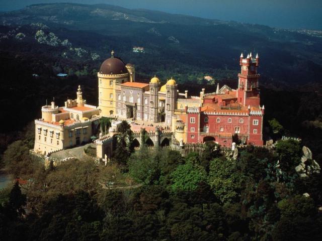 Национальный дворец Пена, Португалия