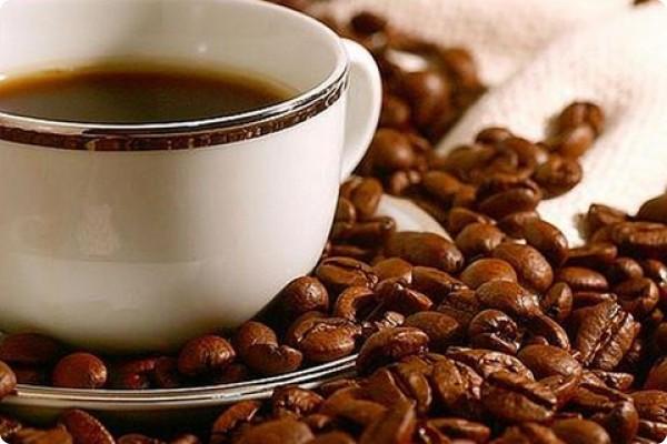 Каждый человек, хотя бы раз пробовавший растворимый кофе, и имевший возможность сравнить его вкус со вкусом натурального, скажет, что молотый настоящий кофе в разы превосходит свой растворимый аналог